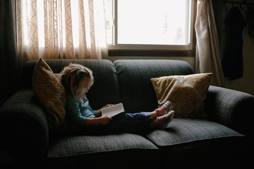 Reading Books For Kids Help Develop Broader Thinking And Morale